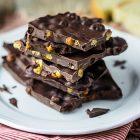 Barrette di cioccolato con ceci arrostiti