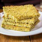 Flat bread senza glutine con broccoli e mandorle