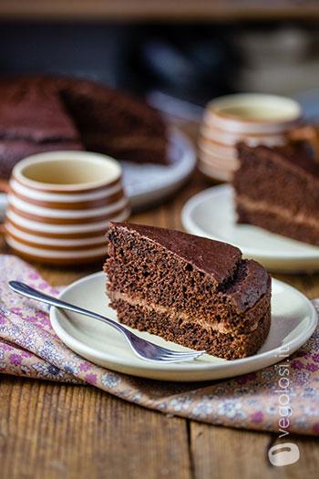 Torta vegana al cioccolato e crema di castagne