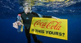 """Coca-Cola: """"Le bottiglie di plastica restano, senza allontaniamo i consumatori"""""""
