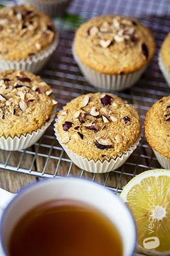 Muffin vegan alle nocciole e limone