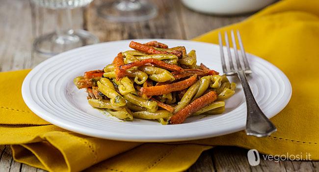 Casarecce al pesto vegetale e carote arrosto