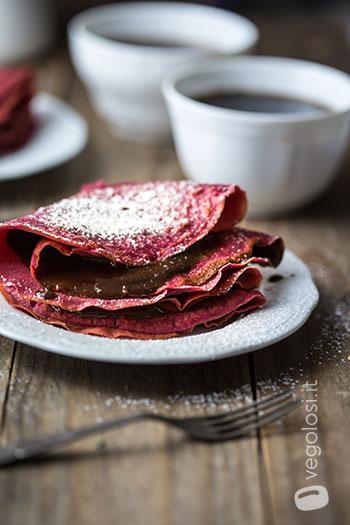 crepes vegana dolce ripiena di crema al cioccolato
