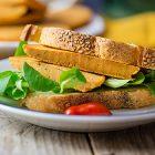 Frittatine di ceci vegan alla senape e pomodoro