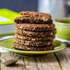 Biscotti vegani d'avena al cacao e nocciole