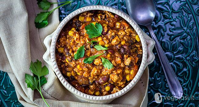Chili messicano vegan di tofu e fagioli