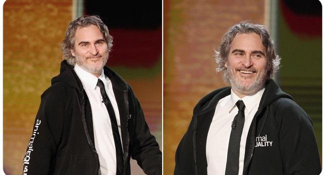Joaquin Phoenix in felpa ai Golden Globe 2021