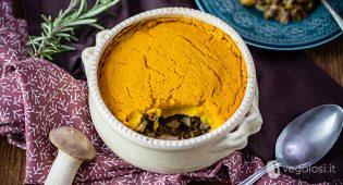 Sformato vegan di lenticchie e funghi con crema alla zucca